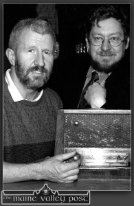 Céilí House presenter and former Stocktons Wing strings man, Kieran Hanrahan and Rolling Wave presenter, Peter Browne pictured in Brennan's Bar during the recording of a programme there in November 2002. ©Photograph: John Reidy  10-11-2002
