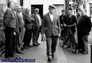 The late Charles Conway gave a demonstration of the bellman's trade on Friday, September 18, 1992 during a visit from his adopted home in Yorkshire. His audiance on the morning were, from left: Michael Reidy, John Jackman, James Lyons, Gene Brennan, Timmy Buckley, Bob O'Rourke, Margaret Relihan, Christy Cronin,  Tim Commane, Patsy Relihan and Johnny Moran. Photo by John Reidy