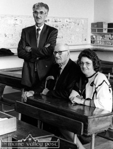 Michael O'Donohoe pictured on the day of his retirement as principal of Castleisland Boy's National School with his father, Matt and his sister Breda Brooks. ©Photograph: john Reidy 30-9-1991