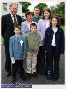Private John O'Mahony pictured with his wife, Mary on the occasion of their son, Declan's First Holy Communion in Scartaglin in May 2001. In cluded are their other children: Denis, Jonathan, Bridget and Elaine. ©Photograph: John Reidy 19-5-2001