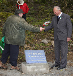 The late Arthur Lenihan unveiling the stone with Mike Mitchell at Gleanageenty on Good Friday 2010.