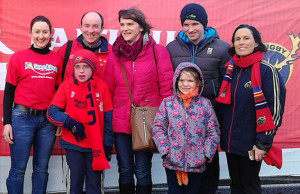 Sandra O'Shea, Share a Dream representative  (left) pictured with guest, Tadhg Broderick from Currow and his parents: Niall and Maria Broderick  and his brother and sister, Padraig and Aine with Lucia Randles, Bank of Ireland (right).