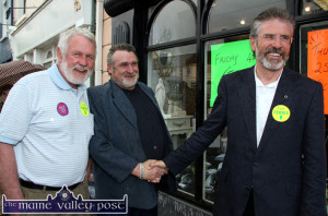 Talking of beards: Sinn Féin TD, Martin Ferris pictured with party leader, Gerry Adams and local man, Michael Mitchell while on the general election campaign walk about in Castleisland during the 2007 general election campaign.  ©Photograph: John Reidy  04/05/2007