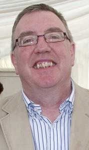 Cllr. Bobby O'Connell - tipping off local community groups on grants for their activities. ©Photograph: John Reidy