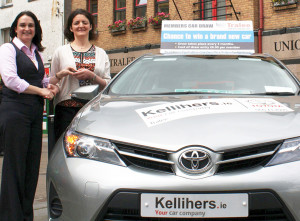 Suzanne Ennis, Tralee Credit Union (left) presenting the keys to July Car Draw winner and Glountane native, Tralee resident, Catherine Moriarty in Tralee on Friday. Photograph Courtesy of Tralee Credit Union