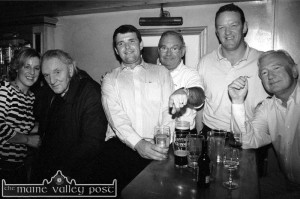 The late Con Houlihan was greeted on his return to his home town by his cousin Caroline Martin - with from left: Mark O'Connor, Billy Browne with  Rugby star, Mick Galwey and John Browne, RIP.    ©Photograph: John Reidy   17-9-2002