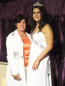 Knocknagoshel's 2015 Pattern Rose winner, Rebecca Stryker pictured after the contest with her delighted mom, Eileen.