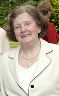 The late Mary Keane at the  unveiling of the sculpture in honour of the late Dr. John B. Keane in the Garden of Europe in Listowel in May 2008. ©Photograph: John Reidy 25/05/2008
