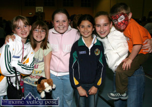 2007 market: Katie Flynn, Cordal (left) pictured with Daryn O'Connell USA; Therese Healy and Maeve Kearney, Cordal and Meaghan and Jack O'Connell, USA at the Indoor Market in aid of the Castleisland branch of the Kerry Parents and Friends of the Mentally Handicapped at Castleisland Community Centre on Friday night.  ©Photograph: John Reidy 05/10/2007