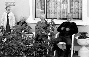 The late Lena Shanahan (left) waiting for the Corpus Christi Procession in 1995 at home in Killarney Road with her sister Hannah Walsh with John Shanahan (left) and Lena's husband Tom Shanahan.   ©Photograph:  John Reidy 14-6-1995