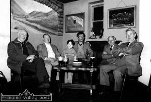 A dáil settling in for another convivial evening at The Market Bar from left: John Moloney, Michael McGillicuddy, Ard Rí; Michael Prendiville, Christy Cronin, Monny McGillicuddy and Gene McGillicuddy. ©Photograph: John Reidy 5/3/1987