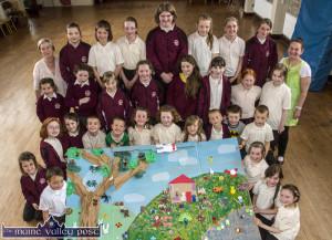 The giant, joint project which won the overall prize at The Kingdom County Fair for the Muire Gan Smál afterschool design team. Seated in front Matas Jakavicius, Kotryna Peledzuite, Marcella Kziazek, Gabrielle Socha and Wictoria Brozka.  Second row: Chanelle O'Neill, Naomi O'Neill, Eilis Enright, Colene O'Callaghan, Shauna Pendergast, Lauren O'Sullivan, Katelyn Prendiville and Blathin O'Mahony. Third row: Roisín O'Mahony, Maja Moskal, Kasper Socha, Robertas Voveris, Kate Harmon, Muireann Hickey, Dominika Oliwniak, Adam Gincel, Micheal O'Brien and Kuba Andrzejewski. Back row: Kathleen Brosnan, manager; JadogaTrebacz, Mya Griffin, Agabail Martin, Grainne Spillane, Gabija Kuilkauskaite, Miriam O'Connell, Leah Horan and Cecile Augereau, art teacher. ©Photograph: John Reidy