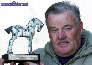 The late and well known racing photographer, Liam Healy from Listowel pictured with the 2006 Irish Stablestaff Association Award for his contribution to the industry.  ©Photograph: John Reidy 02/02/2007