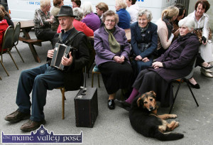 Al Capone pictured with his carer, Beth Carty as they waited for  Minister Joan Burton at the Kerry Flyer offices in 2012. Local musician, Jackie Dan Jerry O'Connor is pictured with: Scart women, Mary Murphy and her sister, Peg Hogan. ©Photograph:  John Reidy 30-3-2012