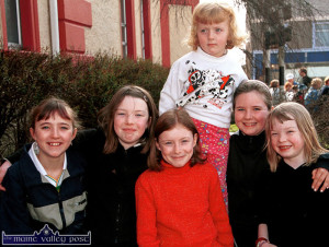 Castleisland girls pictured at the start of the annual Good Friday Hospice Walk, from left: Anna Bergin, Jane O'Connor, Deirdre Doody, Orla Connell, Meagan Daly and Alison O'Connor.  ©Photograph: John Reidy 29-3-2002