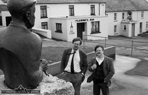 RTÉ Radio broadcaster, Peter Browne (left) and sculptor, Mike Kenny at the monument to Patrick O'Keeffe in Scartaglin. ©Photograph: John Reidy 21-3-1995