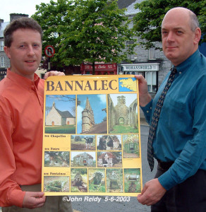 In the beginning: Sliabh Luachra ADM manager,  Eamonn O'Reilly (left) and Bank of Ireland manager, John O'Donoghue finding similarities between Castleisland and the Breton town of Bannalec. ©Photograph: John Reidy  5-6-2003