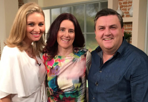 Dr. Ailís Brosnan (centre) pictured with Ireland AM presenters, Anna Daly and Simon Delaney during her appearance on the show.