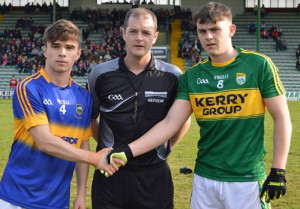 Kerry U-17 captain, Seán O'Connell pictured with his Tipperary counterpart, Diarmuid Mulcahy with referee, Alan Long, Cork before the Munster U-17 Football Championship semi-final at Austin Stack Park in May. Seán will lead his team in their All-Ireland title bid against Roscommon in Ennis on Saturday. CúlPix/ Nora Fealey 2017.