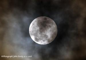 The Blue Moon/Blood Moon/Super Moon on the last day of January 2018. ©Photograph: John Reidy 31-1-2018